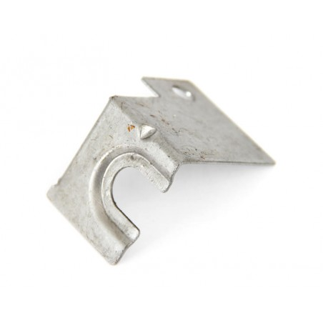 Fixation intérieur câble ouverture de capot